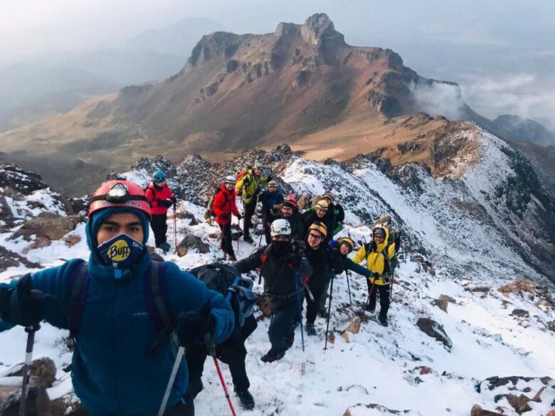 Group hiking Iztaccihuatl